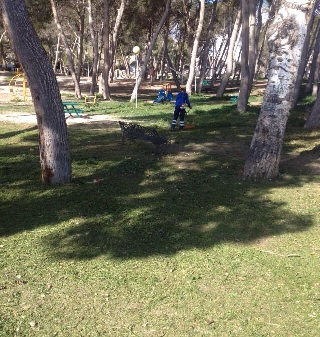 Continúan los trabajos de la brigada municipal para la adecuación de parques y jardines