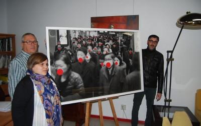 Jero Martínez dona una de sus obras al Ayuntamiento