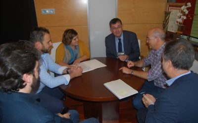 El Presidente de las Cortes Valencianas lucha por mantener el uso de la arcabucería en nuestras Fiestas