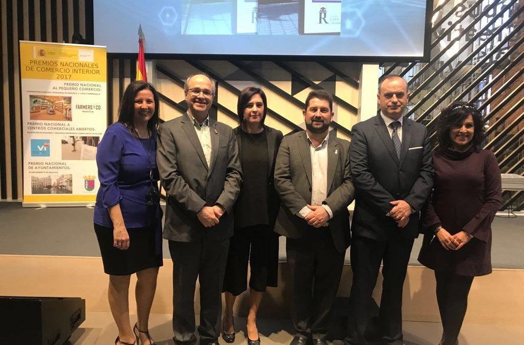 Villena recoge el premio como Centro Comercial Abierto en Madrid