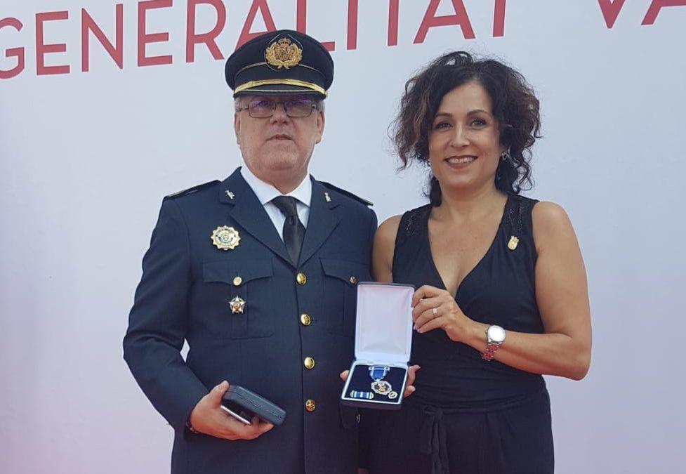 La Generalitat condecora a la Comisaria Jefe de Villena Inmaculada Soriano Angulo