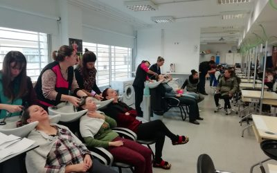 Colaboración del Grado Medio de Peluquería del IES Las Fuentes con el Programa Ocúpa-te
