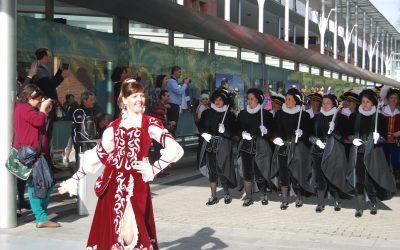 Las Fiestas de Moros y Cristianos se muestran al mundo en Fitur