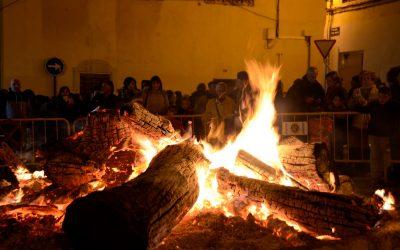 Encendido de la hoguera de San Antón