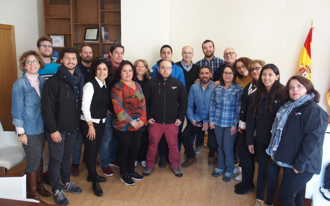 Visita investigadores chilenos para la innovación del sector de la artesanía festera