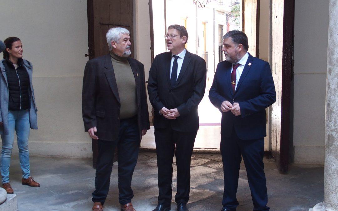 El President de la Generalitat se reúne con el equipo de gobierno en Villena