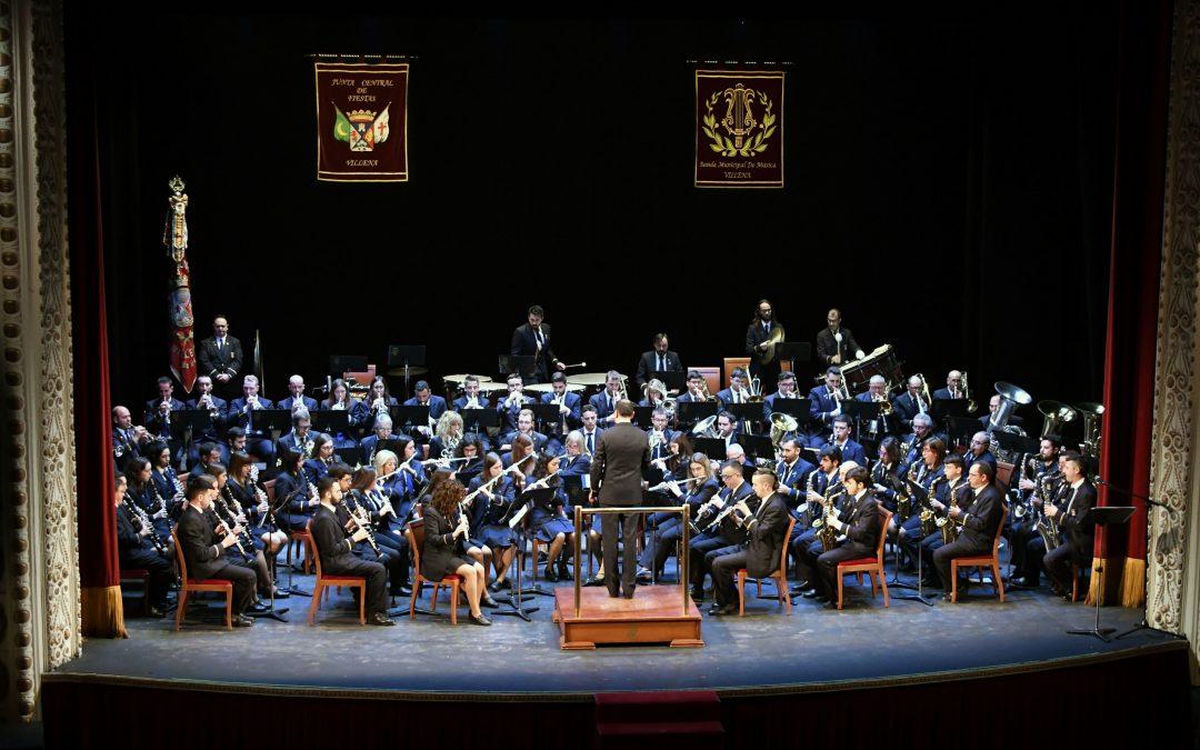 La Banda Municipal homenajea a la Junta Central de Fiestas con un repaso musical de su historia