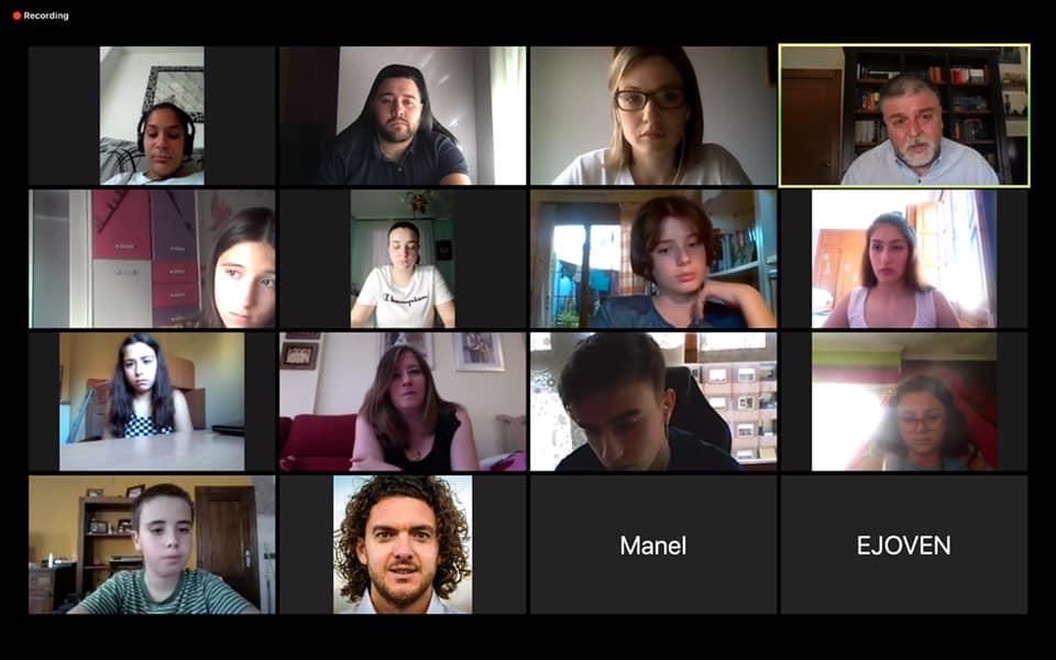 Jóvenes de Villena mantienen un encuentro virtual con el Alcalde y la concejala de Juventud para transmitirle sus inquietudes