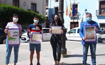 Entrega de diplomas a los ganadores del cartel por el Día Mundial Sin Tabaco