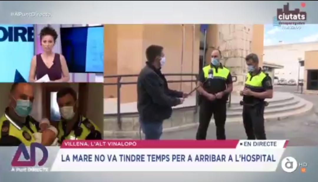 Los agentes de la Policía Local que ayudaron a nacer a un bebé en A Punt Televisió