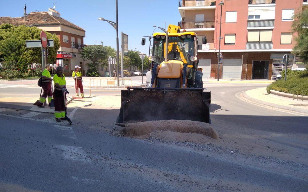 El servicio de limpieza viaria retira 56.000 kilos del arrastre causado por  la tormenta de verano del pasado viernes