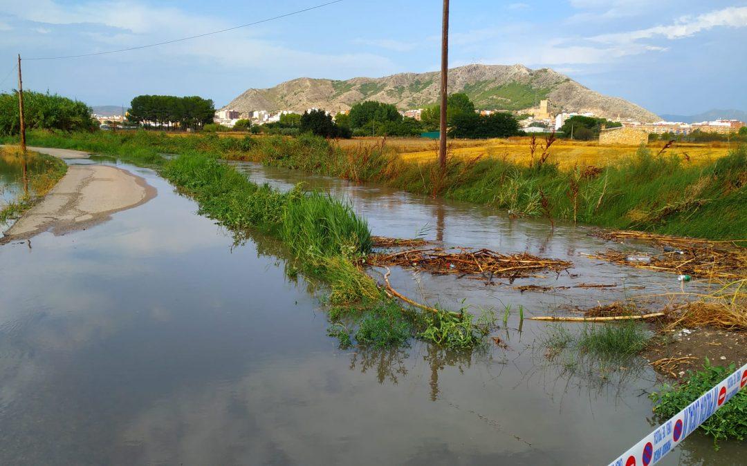 El Ayuntamiento pone en marcha un dispositivo para adecuar la ciudad tras una tormenta que ha dejado más de 40 litros por metro cuadrado en una hora