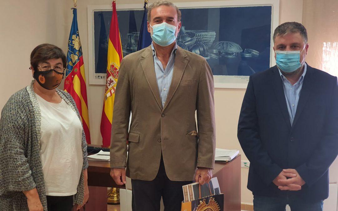 El presidente de la Asociación de Castillos y Palacios Turísticos de España visita la ciudad y explica las acciones de promoción turística para Villena